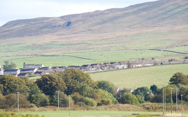 The Knipe with Gateloch Craigs - Gait Cleugh